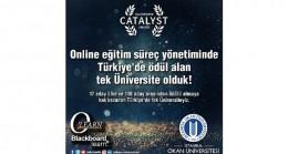 Online eğitim süreç yönetiminde lider üniversite