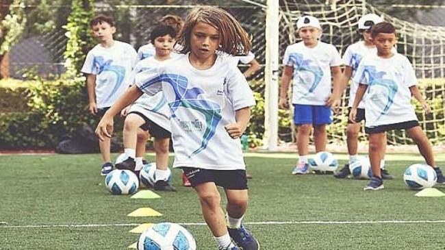 Beylikdüzü'nde çocuklar yazı sporla geçiriyor
