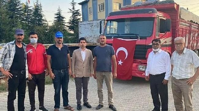 Elma yüklü TIR İzmir'e doğru yola çıktı