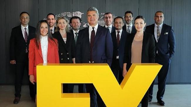 EY Türkiye'nin Yönetim Kadrosuna 2 Ortak ve 8 Yardımcı Ortak Katıldı