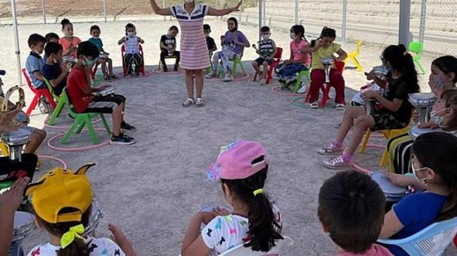 İzmir Büyükşehir Belediyesi'nden çocuklara sokak etkinlikleri