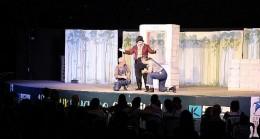 Kadıköy'de Çocuk Tiyatro Festivali başladı