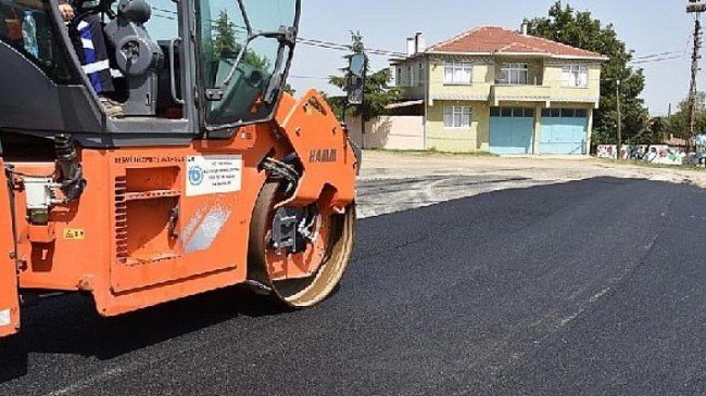 Malkara ilçesinde yol yapım ve onarım çalışmaları devam ediyor