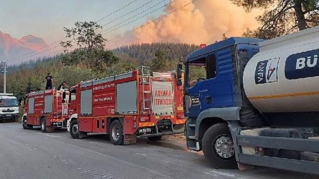 Ankara Büyükşehir Belediyesi yangın bölgelerine personel, araç ve gıda yardımı takviyesini sürdürüyor
