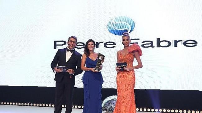 """Pierre Fabre Türkiye """"Yılın Sağlık Sektörüne Katkı"""" Ödülünün Sahibi Oldu"""